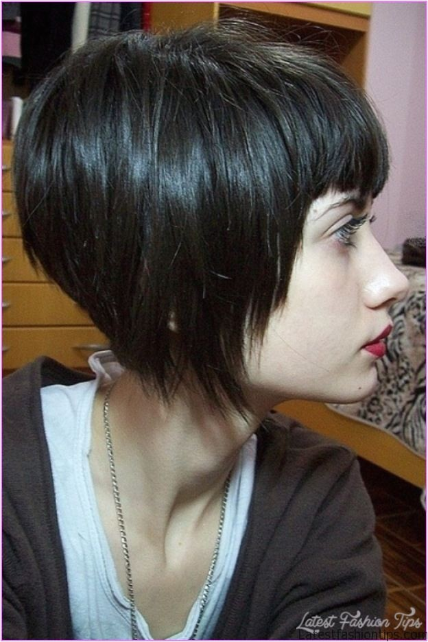angled bob haircut bangs