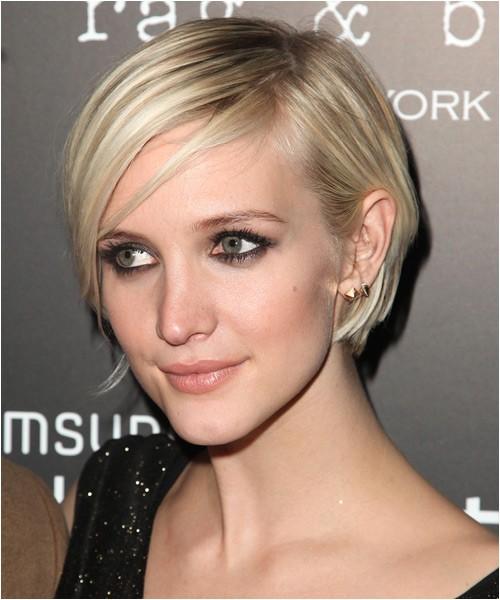 Ashlee Simpson smooth light blonde hairstyle