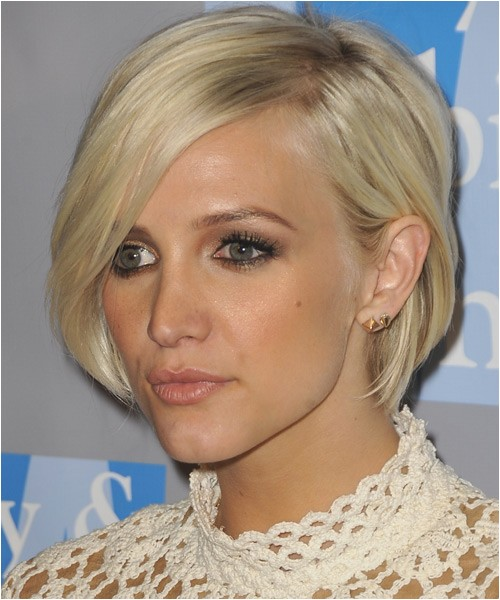 Ashlee Simpson low fuss hairstyle with side part