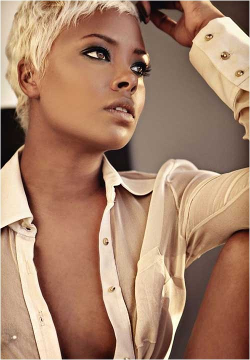 15 short blonde hairstyles for black women
