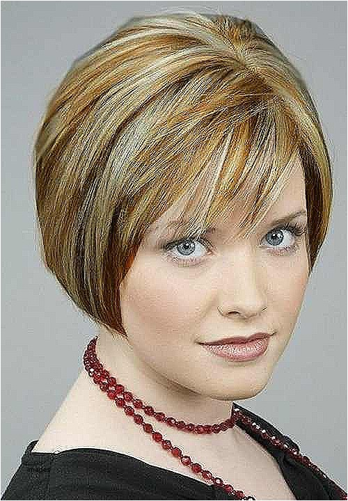 short hairstyles for 50 year old woman 2018