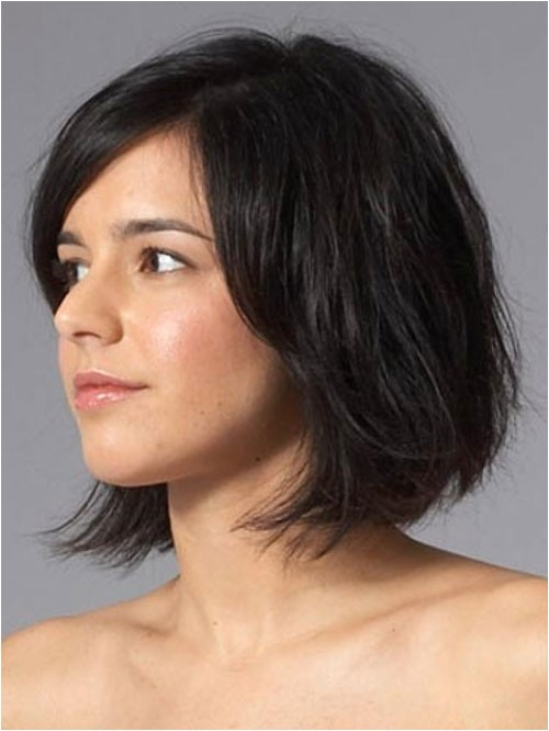 24 best easy short hairstyles for thick hair