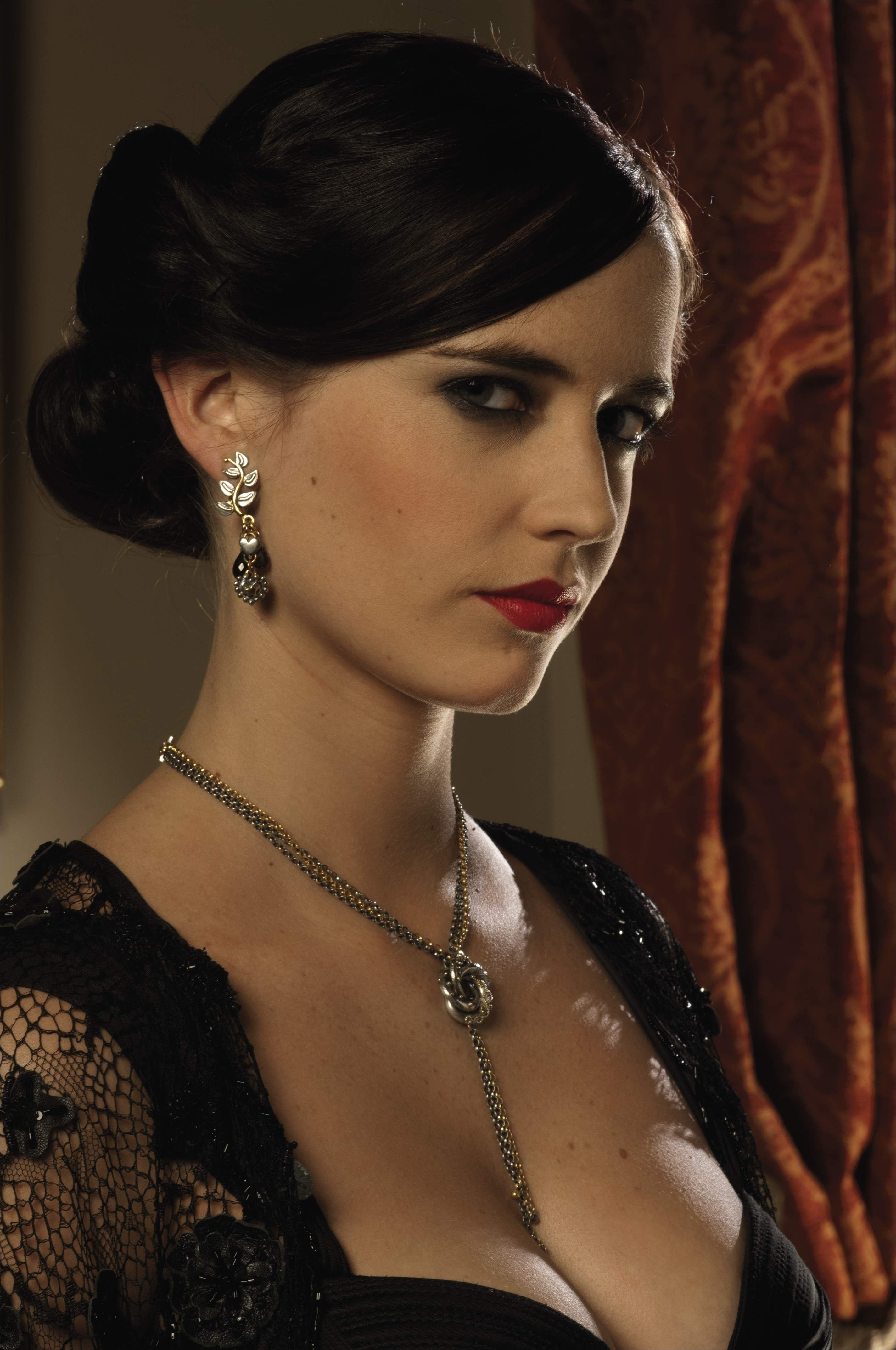 An Algerian Love knot necklace designed by Lindy Hemming and Sophie Harley worn by Eva Green as Vesper Lynd throughout Casino Royale