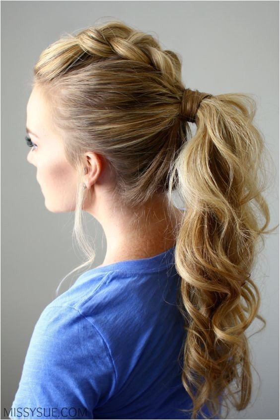 easy ponytail hairstyle