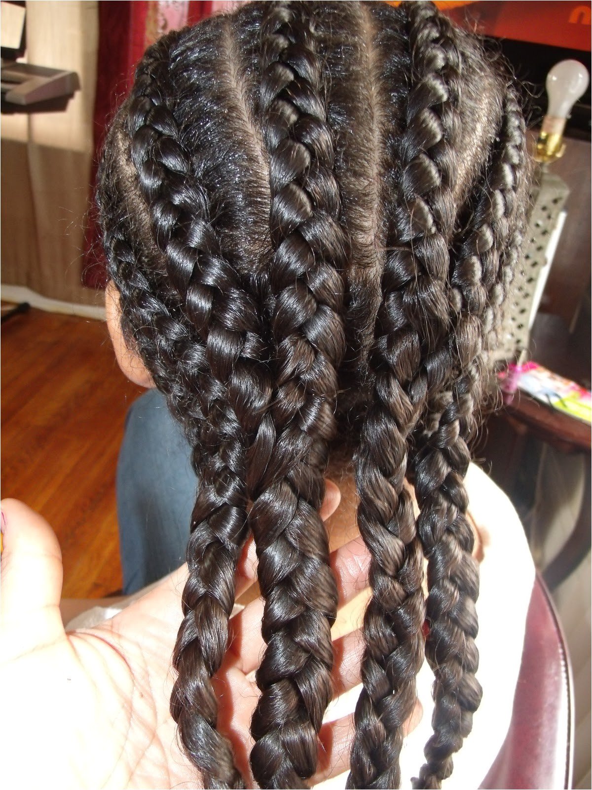 cute protective hairstyle for