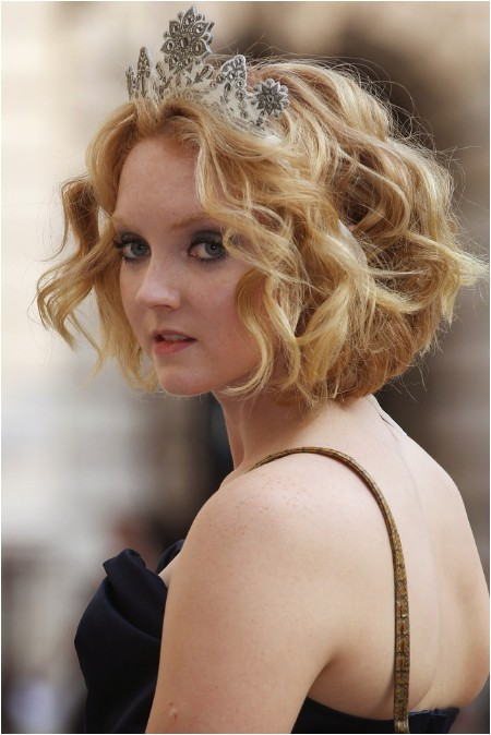 lily cole short haircut romantic short curly bob hairstyle