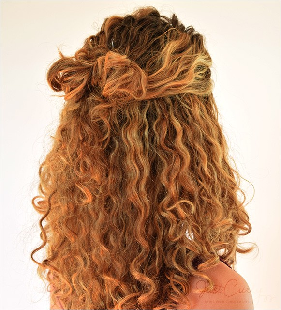 bow hairstyle for curly hair