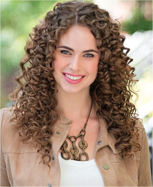 gorgeous hairstyles for girls with really curly hair