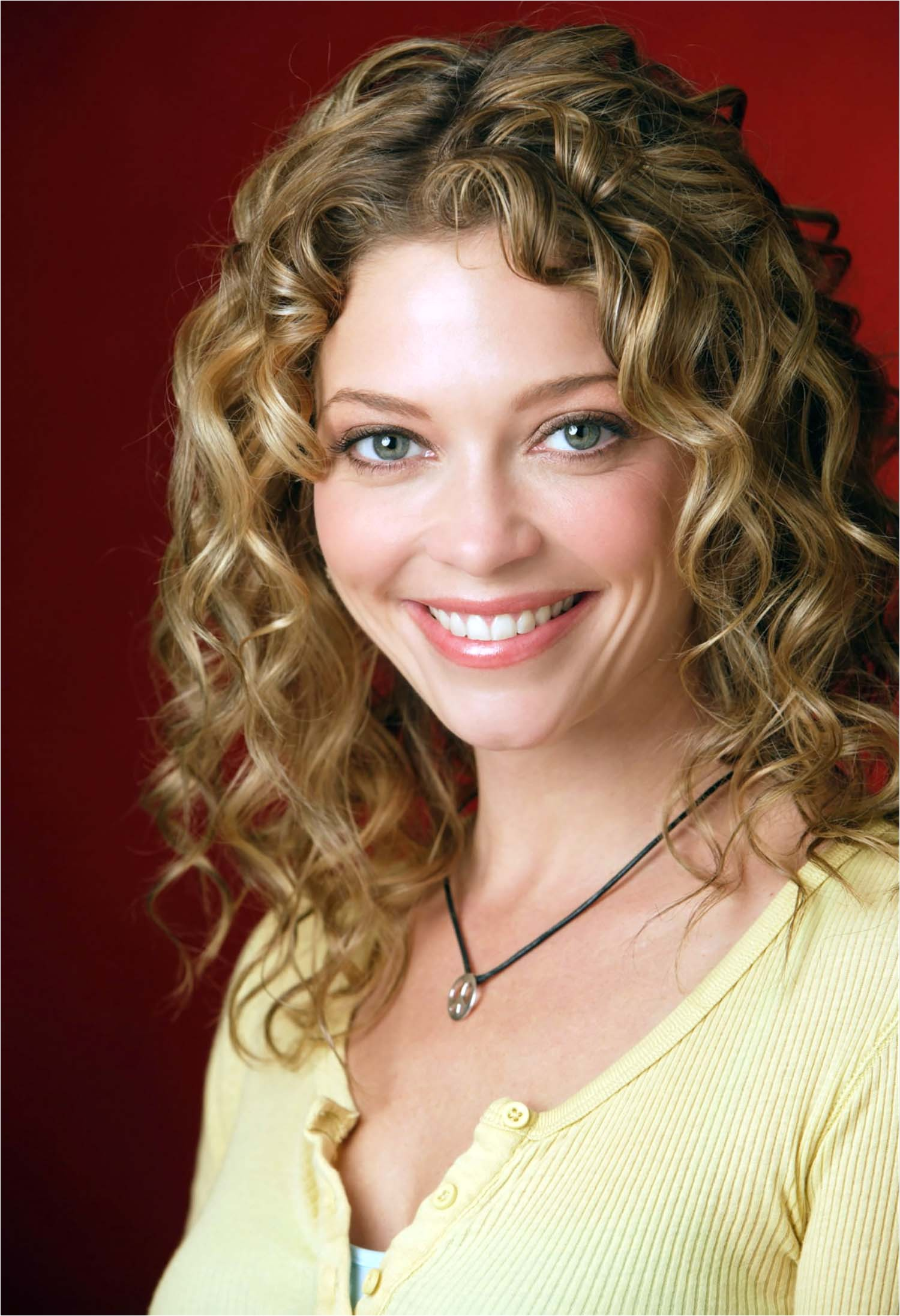 short curly hairstyles ideas