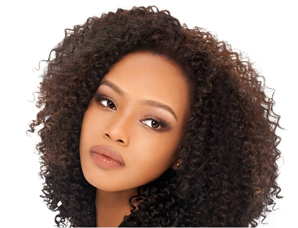 short curly weave hairstyles for round faces