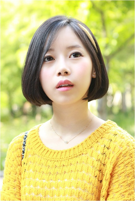 cute a line bob hairstyle for spring
