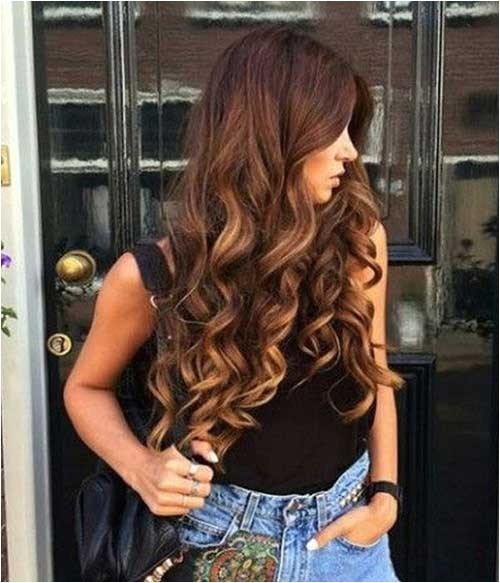 30 cute long curly hairstyles