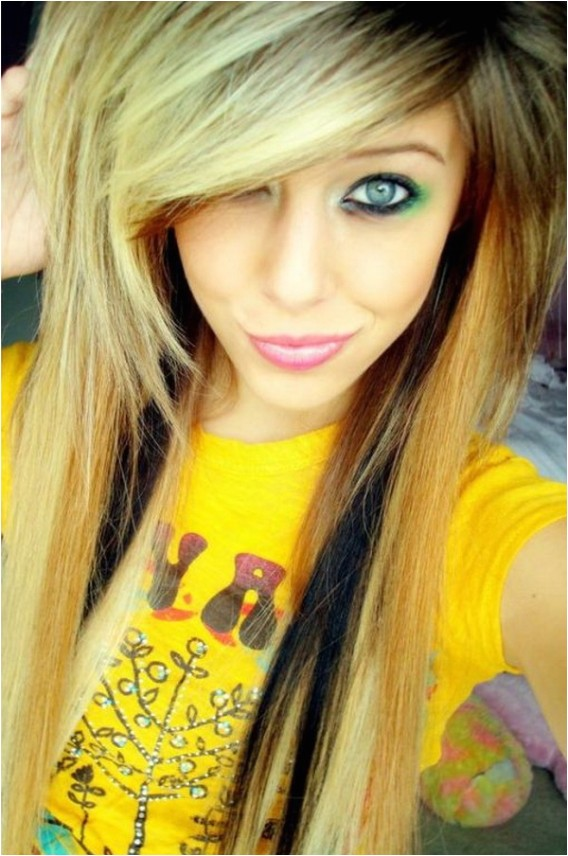 cute emo girls with long hair style 13