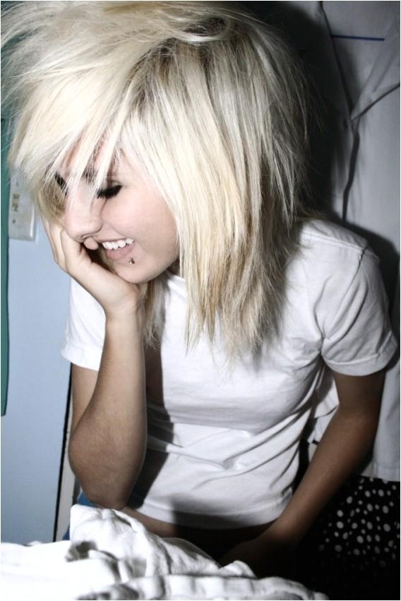 cute medium scene hair