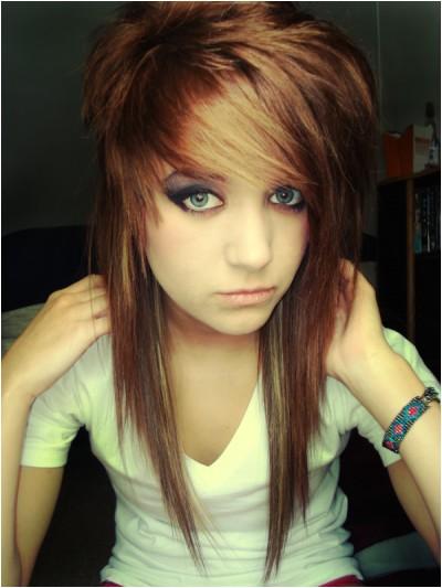 medium length layered hairstyle
