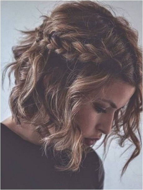 cute everyday hairstyles for curly hair