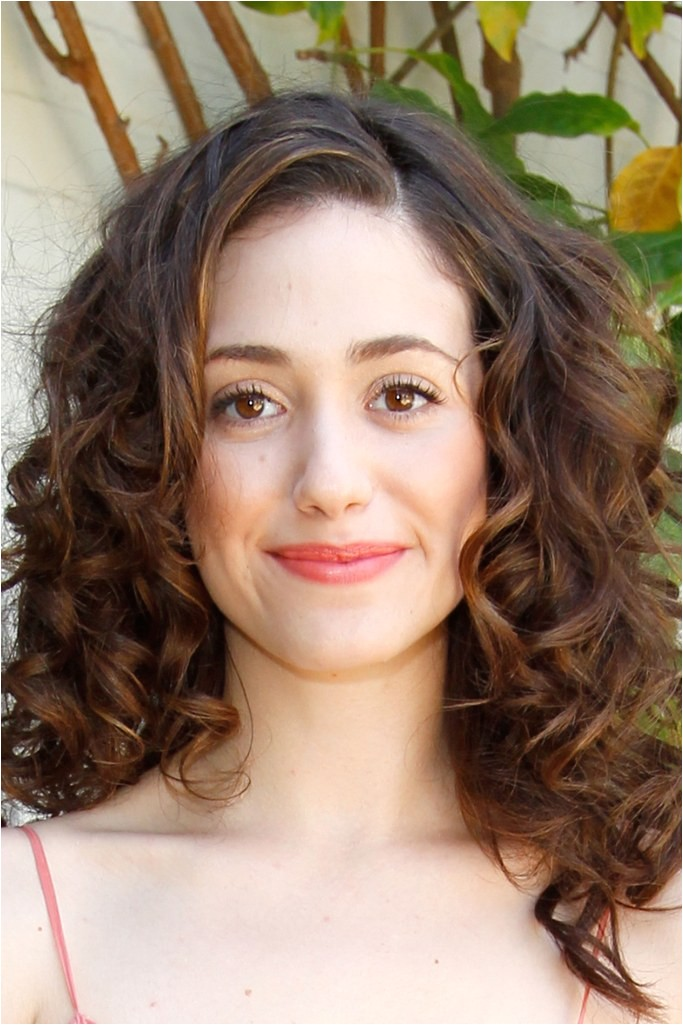 14 seriously cute hairstyles for curly hair 2011 09
