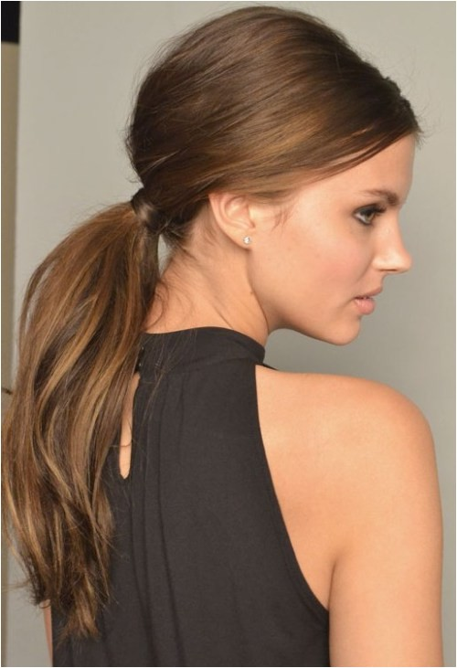 30 fetching hairstyles for straight hair to sport this season