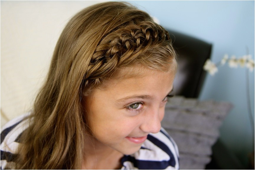 the knotted headband back to school hairstyles