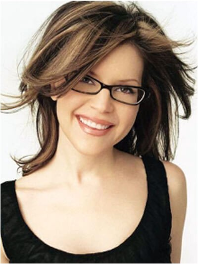 hairstyles with glasses to show the cute appearance