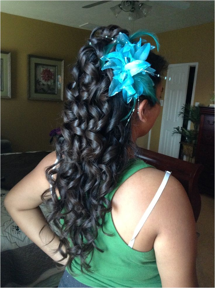 cute curly hairstyles for quinceaneras
