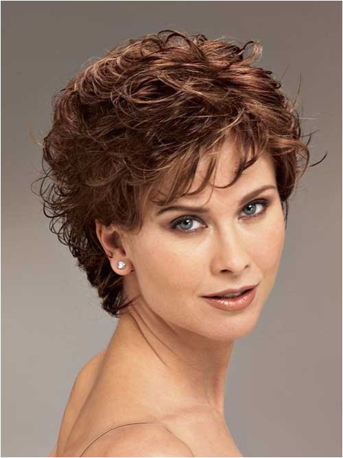 cute layered short haircuts for round faces