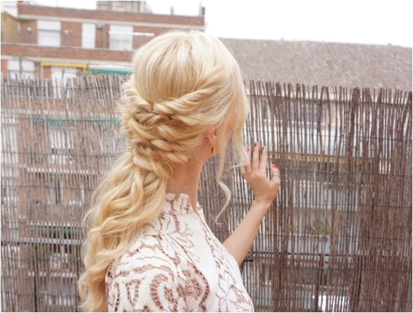 easy diy holiday hairstyle for thanksgiving