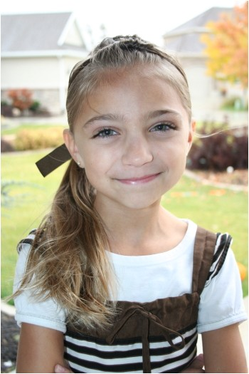 cute hairstyles tween knots into side ponytail