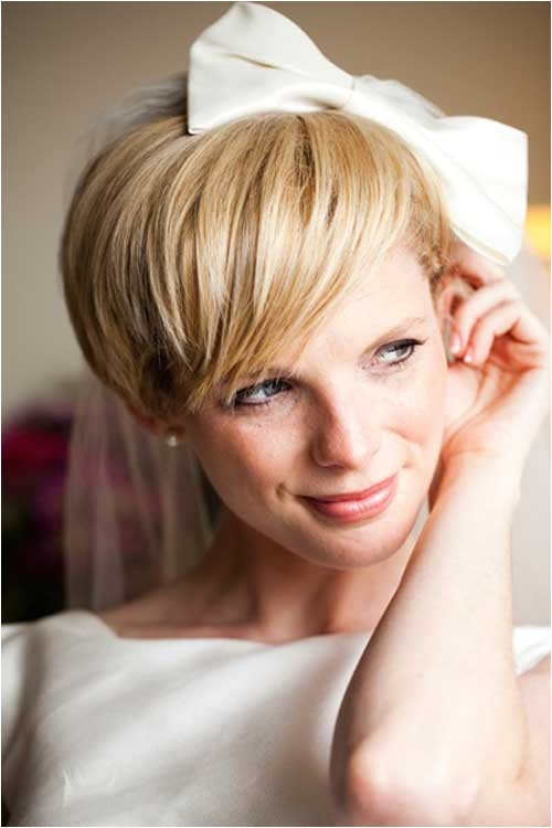 cute short hairstyles for a wedding party with big ribbon pictures