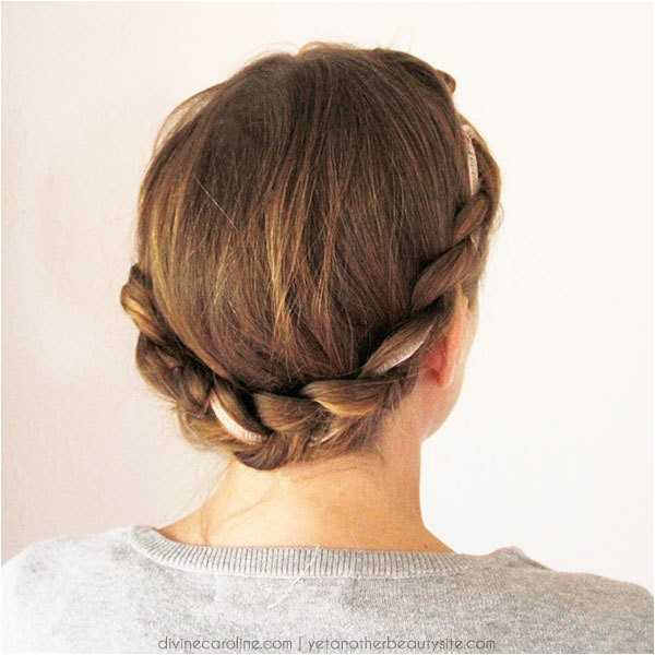 3 cute hairstyles featuring hair ribbons