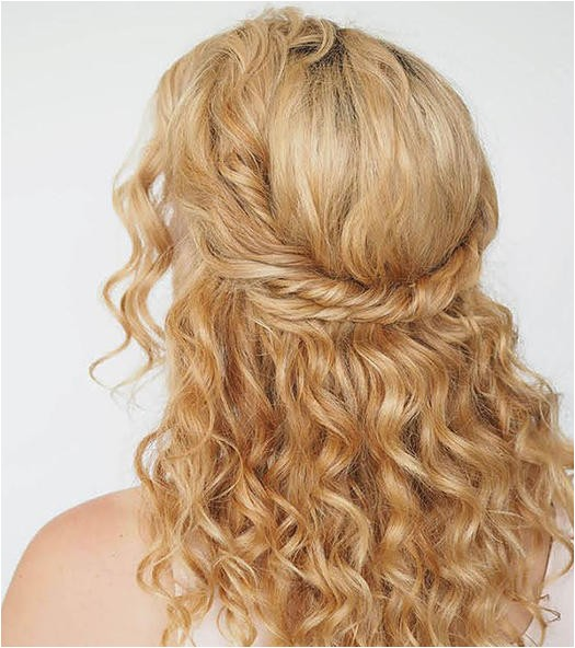 36 curly prom hairstyles will make heads turn