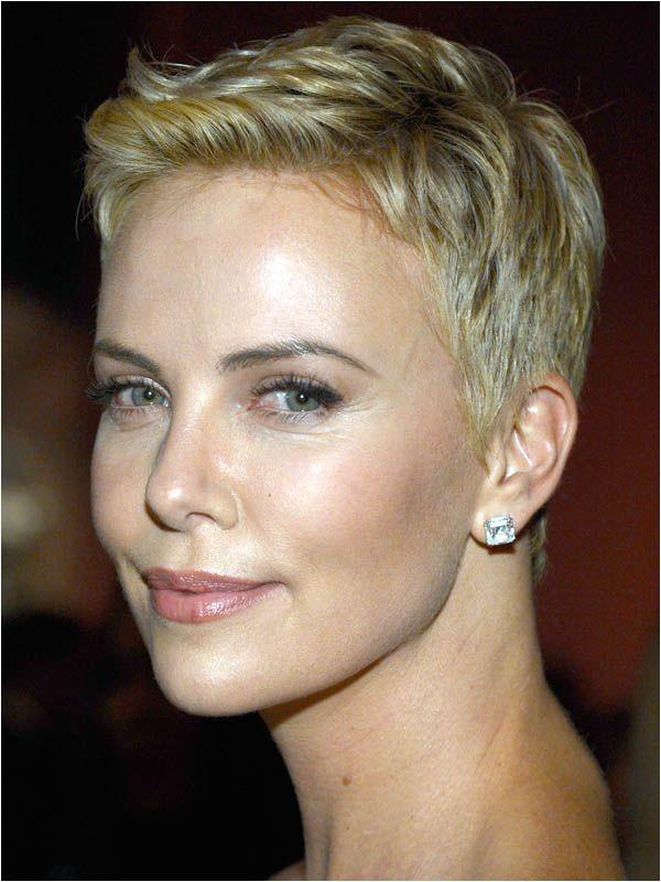 60 short haircuts women