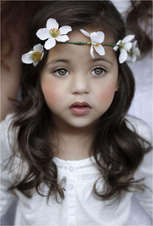 illustrations enfants du monde Flower CrownsFlower HeadbandsBeautiful