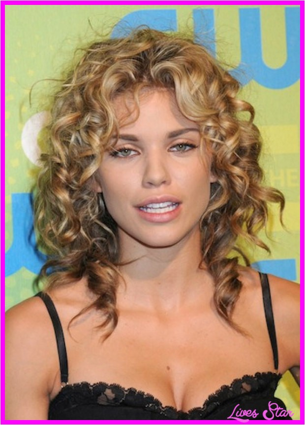 good haircuts for naturally curly hair