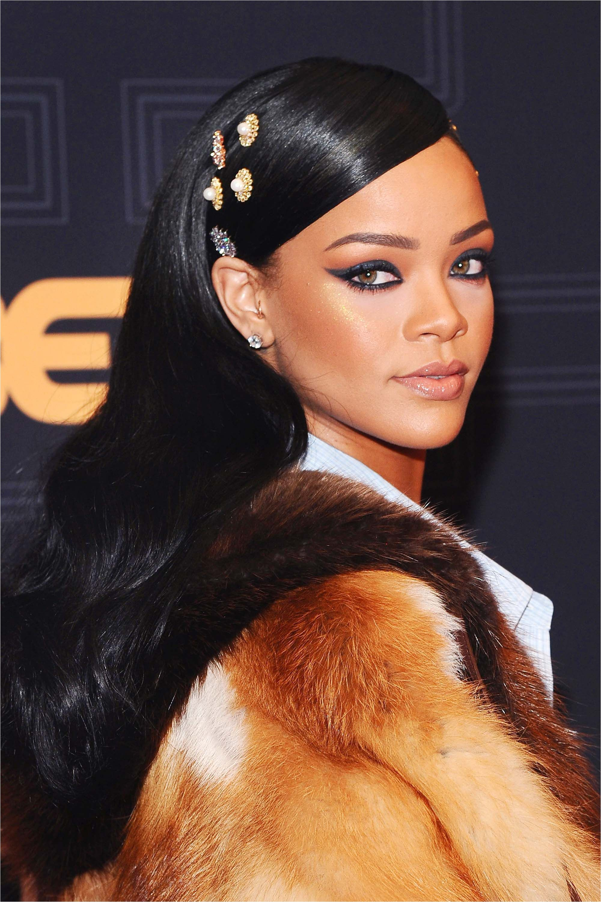 2016 tyimages 50 Best Rihanna Hairstyles Our Favorite Rihanna Hair Looks of All Time from 2 Year Old Black Girl