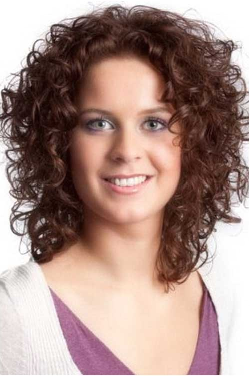 Hairstyles for Curly Hair Women Round Face 15 Short Curly Hair for Round Faces