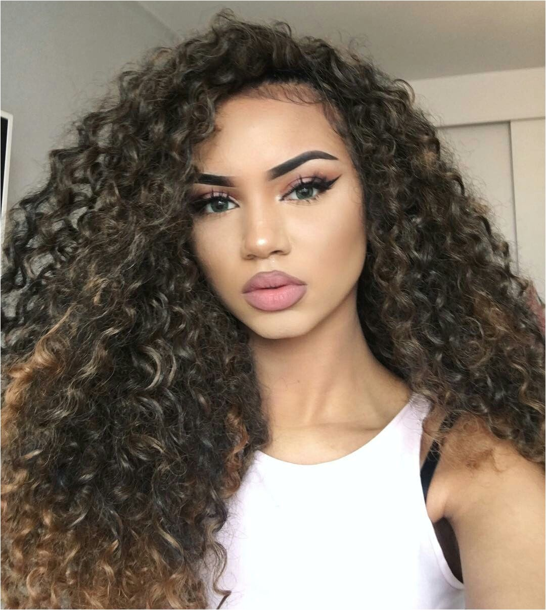 Explore Amazing Makeup Curly Hairstyles and more