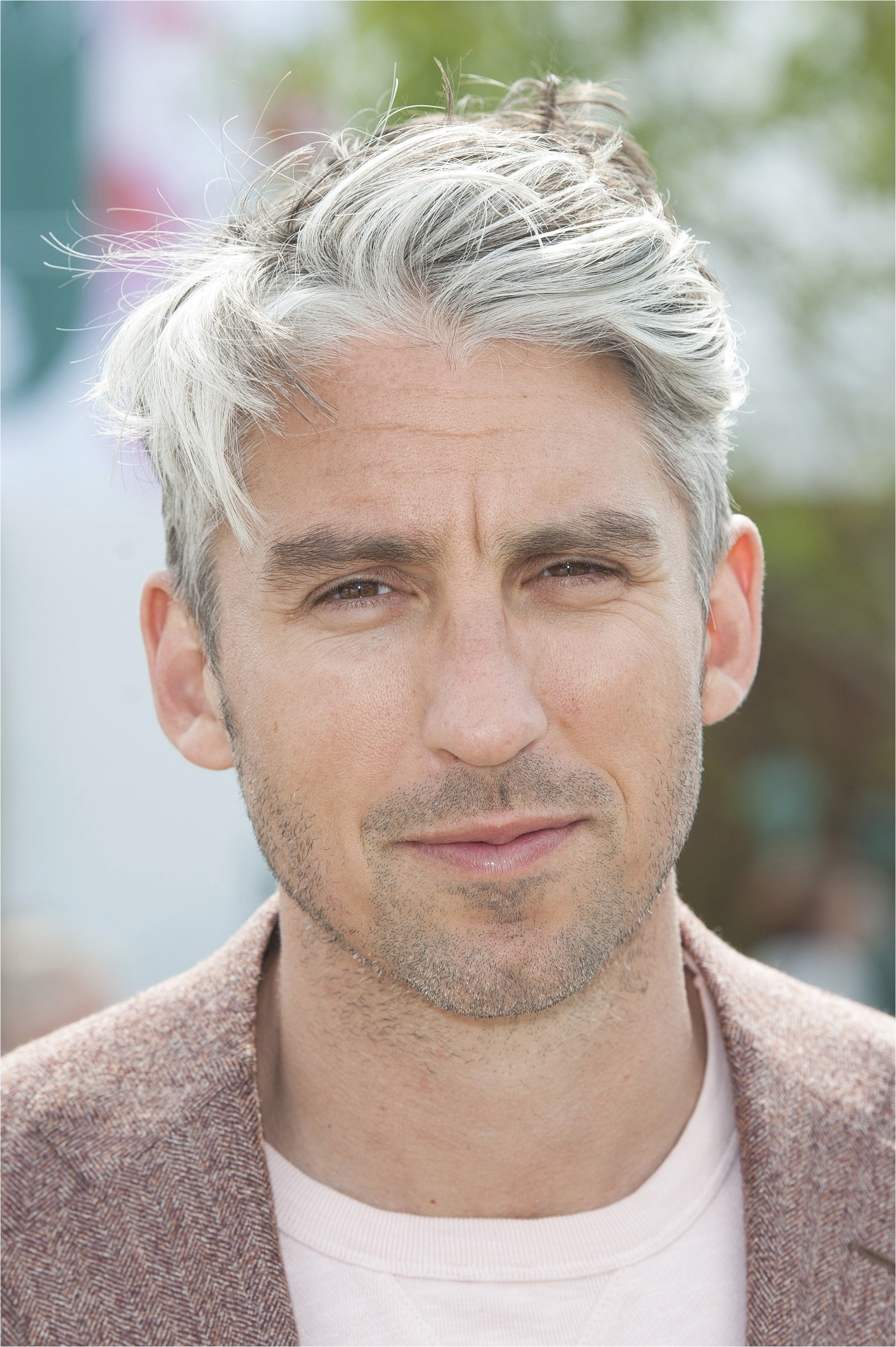 very short gray hairstyles