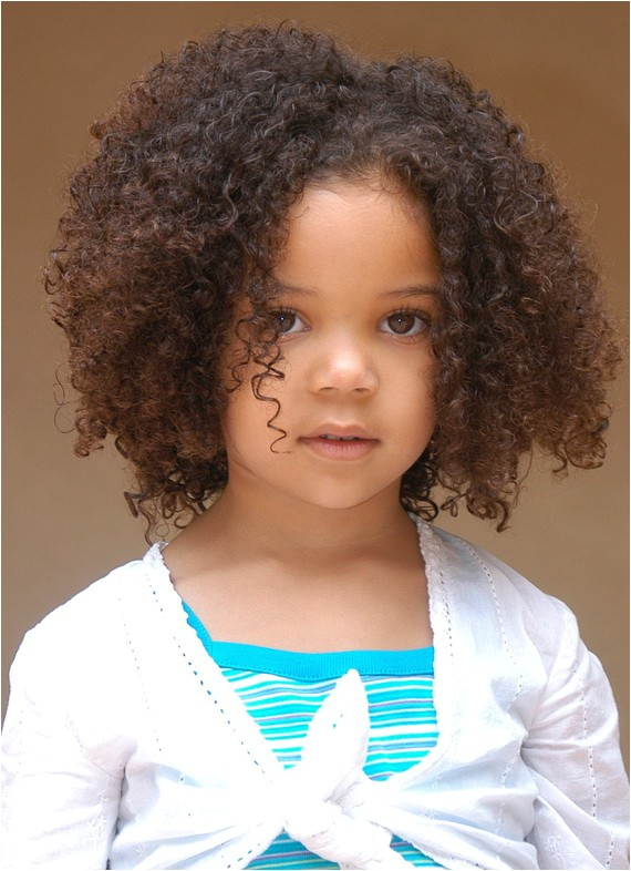 curly hairstyles for flower girls 02