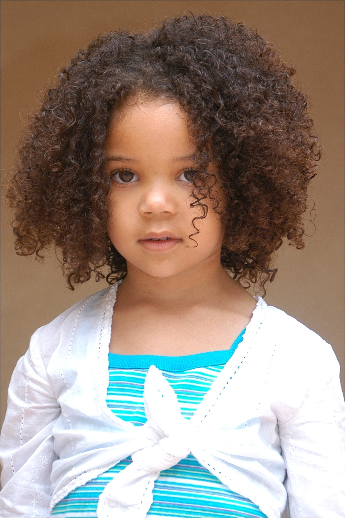 cute hairstyles for short curly mixed hair