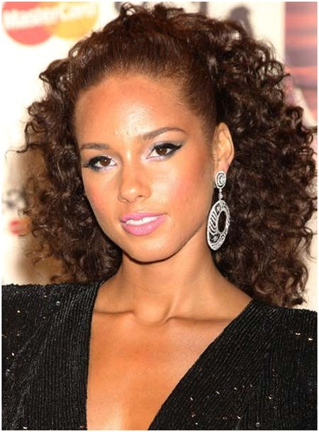 beautiful tight curly hairstyles for womens