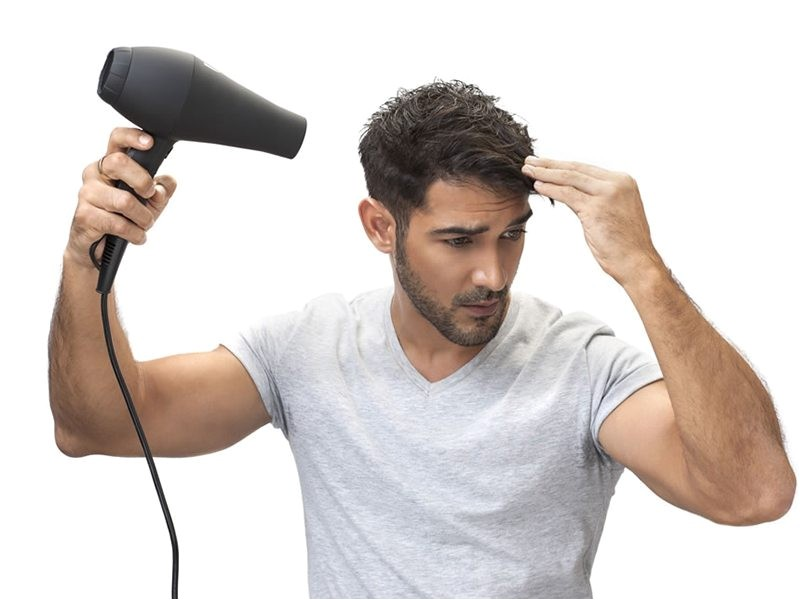 why all men should use a hairdryer to style their hair