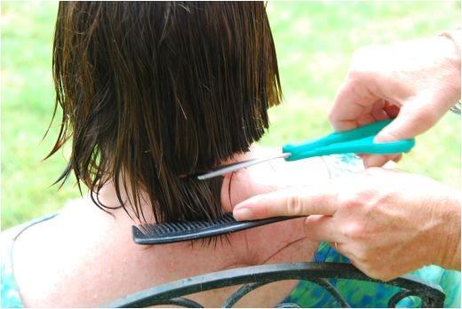 Hair Cuts HowtoCutHairatHOmeandSaveMoneyChinLengthBob