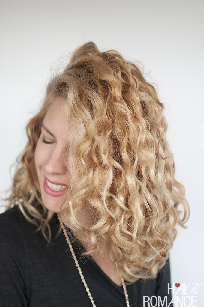 how to style curly hair for frizz free curls video tutorial