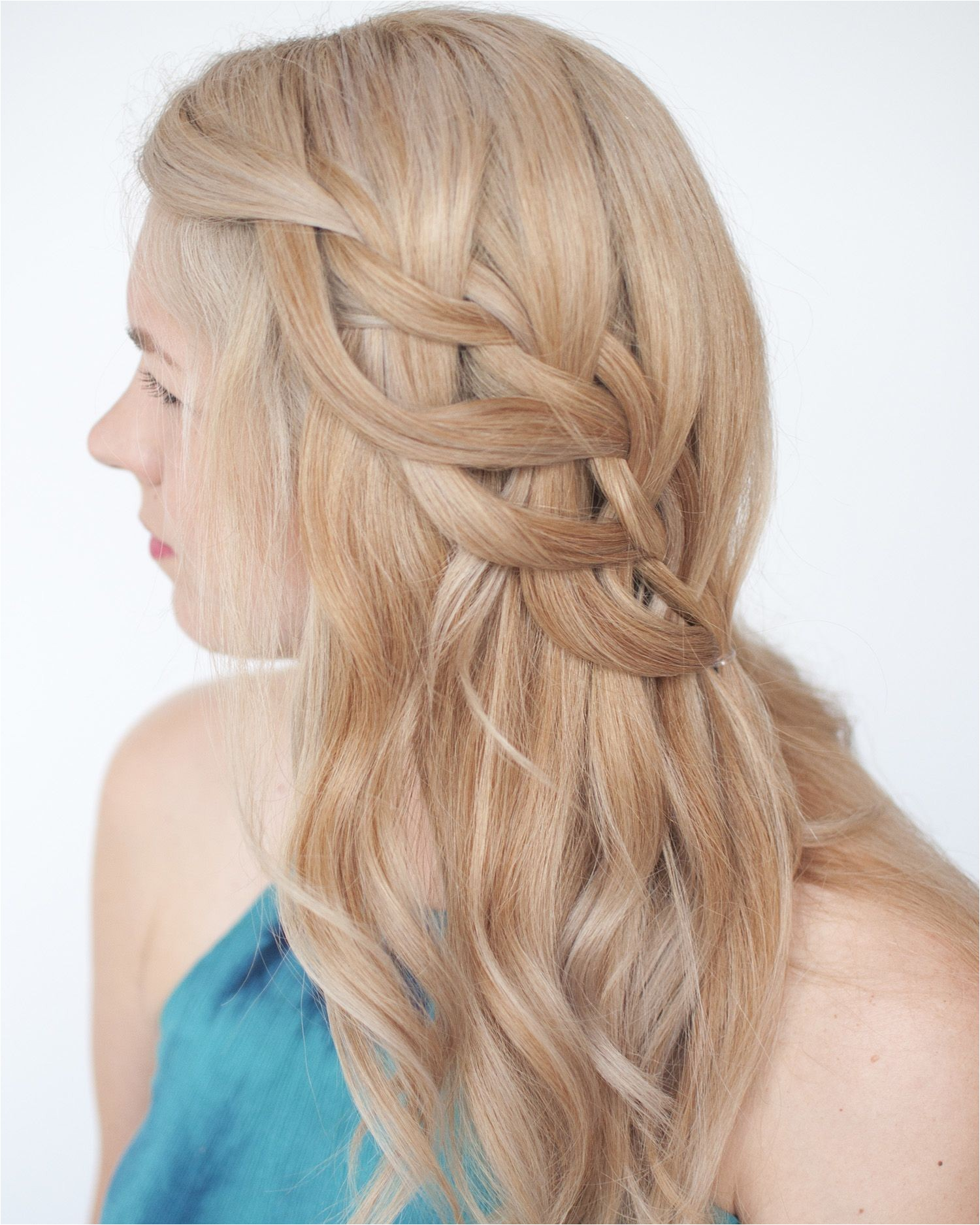 How to Make Waterfall Braid Hairstyle today S Hair Inspo This Loop Waterfall Braid Find the Tutorial On