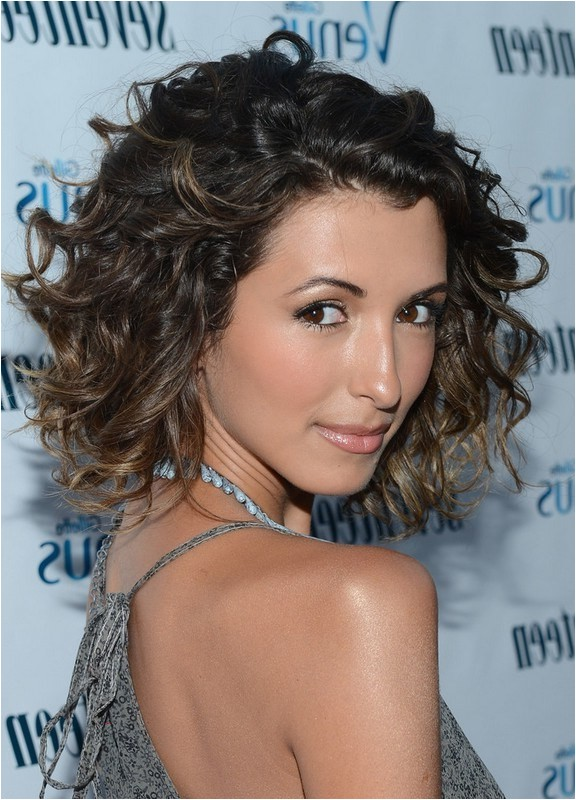 india de beaufort cute medium ombre curly hairstyle for girls