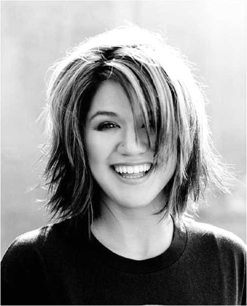 back of kelly clarkson bob haircut