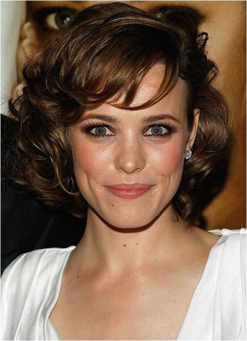 latest short hairstyles for oval faces