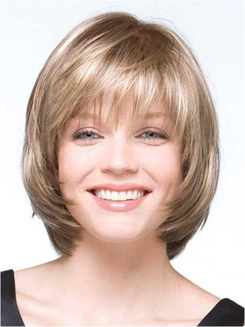 10 layered bob haircuts for round faces