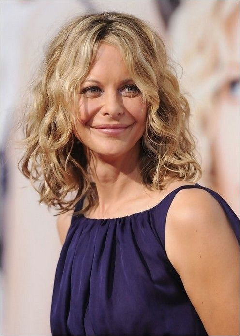 chic medium hairstyles for wavy hair